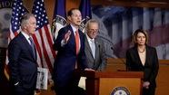 Hạ viện Mỹ thông qua dự luật cải cách thuế lớn nhất trong 30 năm