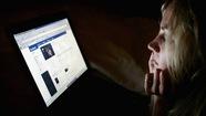 Người dùng Facebook phải tải ảnh selfie chứng minh mình là người thực