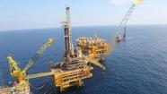 Bán dầu cho Trung Quốc, hải quan nói thấp PVN nói cao
