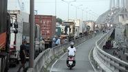 Cầu Phú Mỹ tiếp tục kẹt xe trên đường dẫn