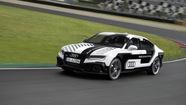 Audi thử xe không người lái đạt tốc độ 305 km/h