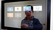 Biến gương soi thành màn hình cảm ứng