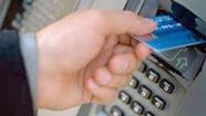 Tạm ngưng dịch vụ ngân hàng điện tử vì… quyết toán năm