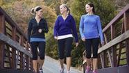 """Đi bộ theo nhóm - """"bài thuốc"""" tăng cường sức khỏe hiệu quả"""