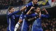 Costa trở lại và ghi bàn, Chelsea thẳng tiến