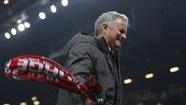 """HLV Mourinho chê học trò """"ngây thơ"""""""