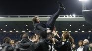 Chelsea ăn mừng chức vô địch Premier League