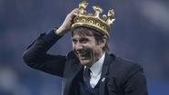 Chelsea mừng ngôi vương bằng chiến thắng nghẹt thở trước Watford