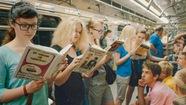 Để trẻ em đọc sách …