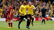 Watford cầm chân Liverpool nhờ bàn thắng việt vị ở phút bù giờ