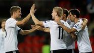Hạ CH Czech, Đức chạm tay vào vé dự World Cup 2018