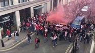 Arsenal hạ Cologne trong trận cầu diễn ra trễ vì CĐV gây náo loạn