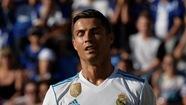 """Ronaldo """"tịt ngòi"""", R.M thắng chật vật Alaves"""