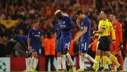 Dẫn trước hai bàn, Chelsea vẫn để Roma cầm chân