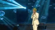 Giải trí 24h: Vũ Cát Tường chinh phục khán giả với 2 giờ liên tục hát live