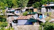 Sau lở đất, hàng trăm hộ dân sườn núi Chụt phập phồng lo bão số 9
