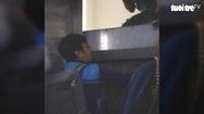 """Phát hoảng với thang máy chung cư """"nhốt"""" người"""