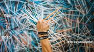 """Giải trí 24h: """"Rẽ sóng biển nhựa"""" với hơn 100.000 ống hút cùng Von Wong tại Việt Nam"""
