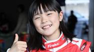 Nữ tay đua ô tô chỉ mới 11 tuổi