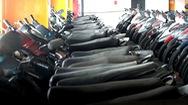"""Hàng trăm xe máy """"nằm vạ"""" nhiều năm ở bãi xe sân bay Tân Sơn Nhất"""