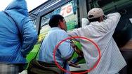 Tin nóng 24h: Vạch trần thủ đoạn của băng nhóm dàn cảnh móc túi hành khách đi xe buýt