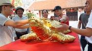 Góc nhìn trưa nay | Độc đáo với cụ rùa hồ Gươm mạ vàng 9999 của nghệ nhân làng gốm