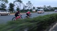 Phút cảnh báo: Tiếp diễn tình trạng người đi xe đạp bất chấp luật giao thông