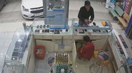 Truy bắt nghi phạm giả hỏi mua điện thoại rồi cướp 3 điện thoại Iphone