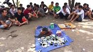 Hơn 20 người đá gà bỏ chạy tán loạn khi bị phát hiện