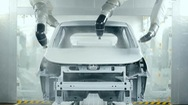 Sản xuất ô tô trong nước gặp vô vàn khó khăn, làm gì để tháo gỡ?