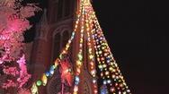 Nhà thờ hơn 100 tuổi lung linh sắc màu trong Giáng sinh