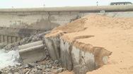 Sạt lở tuyến kè đường đe dọa khu vực sân bay Tuy Hòa