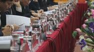 Các cuộc họp ở Nghệ An không còn chai nước nhựa