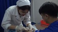 Sinh viên Lào, Campuchia được khám bệnh miễn phí
