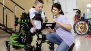 Robot giúp trẻ em khuyết tật trải nghiệm cảm giác vận động