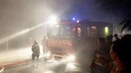 Cảnh sát trắng đêm dập lửa tại một nhà xưởng tại quận Thủ Đức