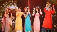 """Giải trí 24h: Ba cô gái """"hiện tượng mạng"""" Hiền Hồ, Jang Mi và Han Sara hát """"Vui như Tết"""""""