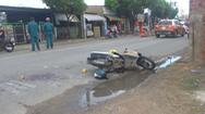 Xe máy va chạm xe tải, 1 người chết