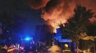 Cháy rất lớn ở Hóc Môn, TP.HCM