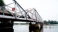 """Tin nóng 24h: Người dân tiếc nuối """"chia tay"""" cầu sắt Phú Long"""
