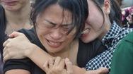 Hình ảnh thân nhân khóc liệt sĩ DK1 bị xúc phạm nghiêm trọng