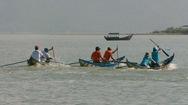 Độc đáo lễ hội đua xuồng 2 lá của ngư dân làng biển Khánh Hòa