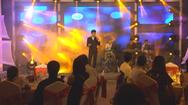 """Danh ca Tuấn Ngọc biểu diễn mở màn sân khấu """"Saigon Tonight"""""""