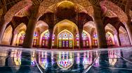Khám phá nét đẹp kỳ lạ bên trong nhà thờ Hồi giáo vạn hoa  ở Iran