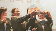 Tin nóng 24h: Hai phụ nữ Việt nhận giải thưởng Hòa bình ở Hàn Quốc