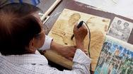 Góc nhìn trưa nay   Độc đáo những bức tranh làm từ lá thốt nốt