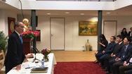 Bí thư Nguyễn Thiện Nhân làm việc với Đại sứ quán Việt Nam tại Hà Lan