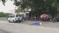 Một phụ nữ bán vé số bị xe máy tông chết