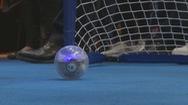 Chơi bóng đá bằng trí não
