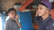 Mất thông tin liên lạc với bờ, ngư dân gặp khó